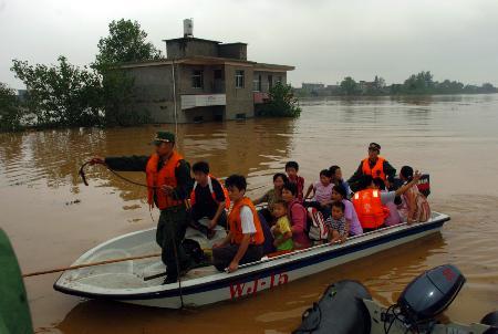 图文:位于九江永修县和南昌安义县的潦河青湖