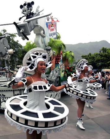 图文:香港迪斯尼乐园演员正在彩排
