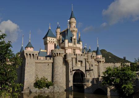 迪斯尼十大必玩之睡公主城堡(组图)
