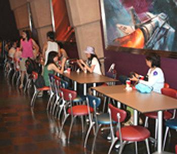 组图:火箭餐厅