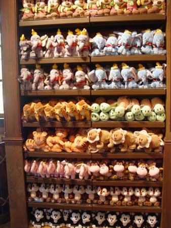 组图:满满的全是迪士尼卡通人物玩具