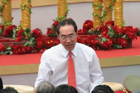 图文:唐英年出席香港迪士尼乐园开幕式