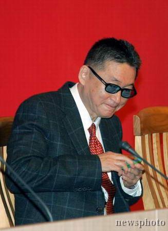 图文:李敖先生在上海复旦大学演讲
