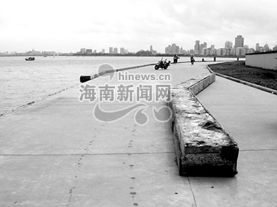 海南白马井渔港台风前后情景迥异(组图)