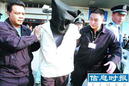 广州火车站举行首次大规模反恐演习(组图)