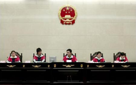 图文:上海中学生体验人大常委工作