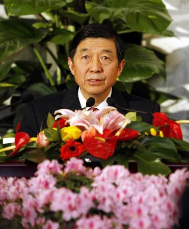 图文:全国政协十届四次会议举行新闻发布会