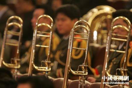 图文:会场内的军乐团