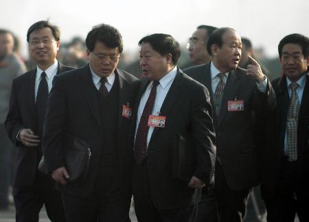 图文:代表步入人民大会堂