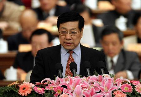 图文:鲁志强在政协十届四次会议二次会议发言