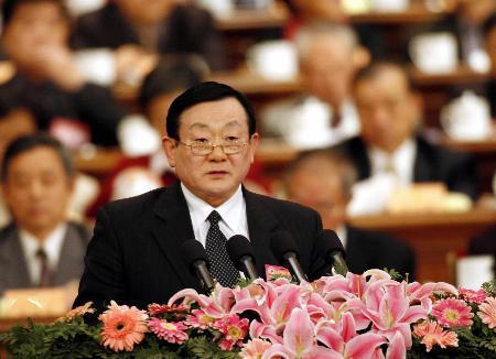 图文:张龙之在政协十届四次会议二次会议发言