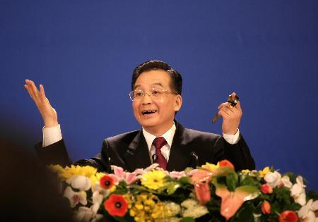 图文:温家宝总理回答中外记者提问