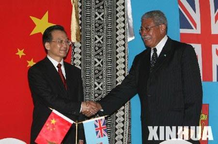 组图:温家宝总理与斐济总理恩加拉塞会谈