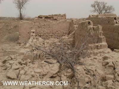 组图:甘肃无人村的断壁残垣
