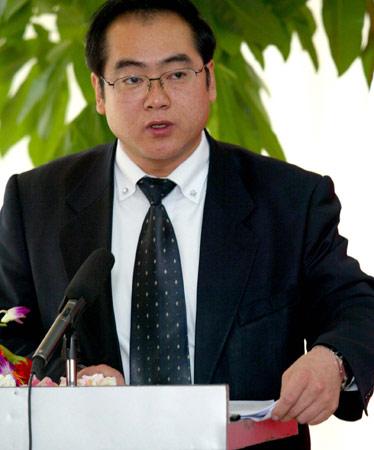图文:全国总工会法律部副部长郭军