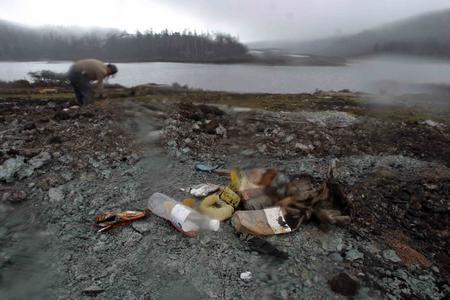 图文:《无极》外景地碧沽天池垃圾遍地
