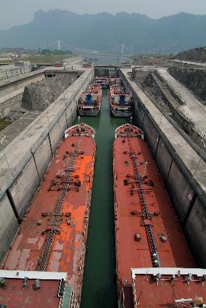 图文:三峡工程之最光耀水利史
