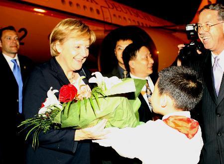 图文:德国总理默克尔抵达上海访问