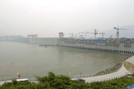 图文:三峡工程开始发挥防洪功能蓄水156米