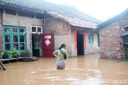 组图:衡阳发生水灾村民受困