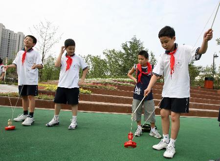 弄堂:[暑期v弄堂](2)上海图文玩起学生游戏三角裤小学生图片