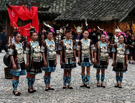 图文:郎德苗寨侗族姑娘献歌