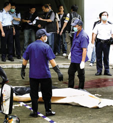 香港警察的悲情九月(组图)