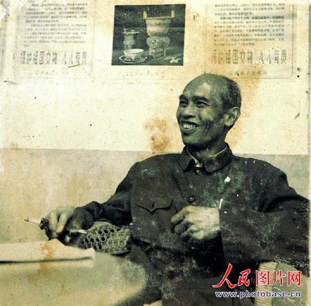 图文:当年任县长时的唐进新