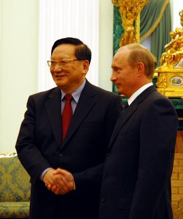 图文:普京在克里姆林宫会见唐家璇