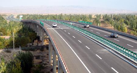 宁夏实现所有地级市通高速公路