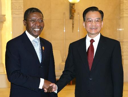 图文:温家宝会见莱索托首相