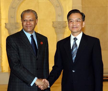 图文:温家宝会见毛里求斯总理
