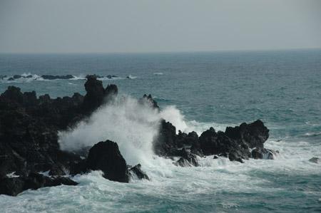 海浪礁石图片_海浪礁石图片素材编号20111115092615自