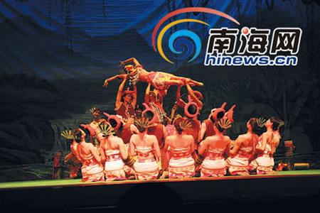 海南民族歌舞团赴新加坡演出(组图)