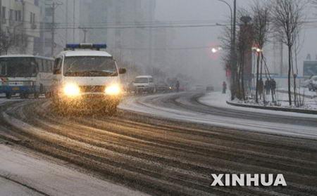 组图:东北部分地区再次遭遇大雪