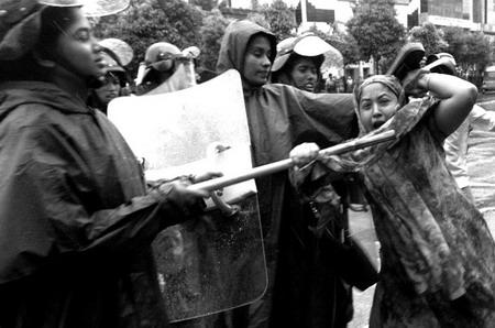 组图:华赛非战争类组照优秀奖入围作品印度女性罢工