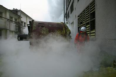 组图:年度全场大奖《广州钛白粉厂化学品泄漏》
