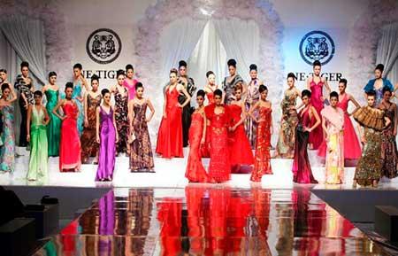 图文:2006年春夏高级婚纱礼服流行趋势发布
