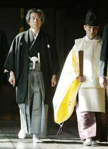 小泉再次宣称他国不应干涉其参拜靖国神社