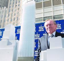 """刚拿到""""双子塔""""的钥匙 就发生了""""9·11""""惨案世贸中心主人忙着盖楼(附图片1张)(海外传真)"""