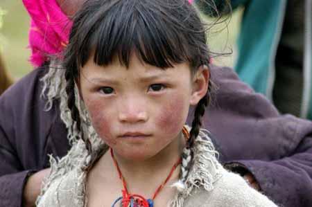 中遇到藏族小女孩