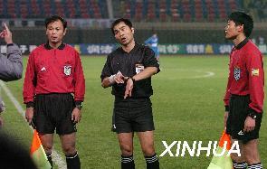 图文:中超客场战沈阳金德队北京现代集体罢赛
