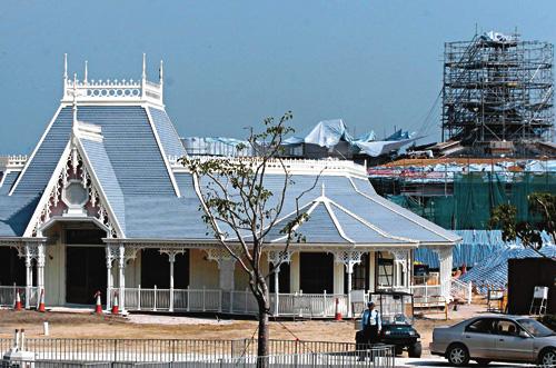 园九月份月重点-迪斯尼乐园明年9月12日开幕