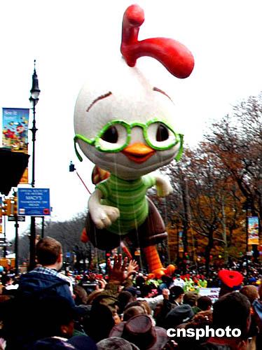 """图:纽约""""气球大游行""""庆祝感恩节"""