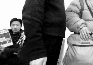 国航航班延误引发冲突东航员工与乘客互殴(图)