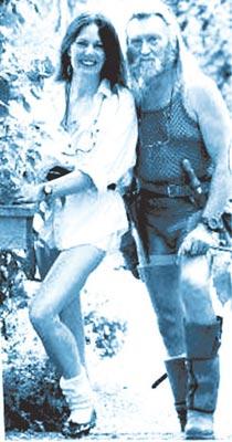 芭芭拉第一季度人体艺术囹�a_他52岁的妻子芭芭拉则是一名前模特,夫妇俩目前和两儿一女居住在威尔