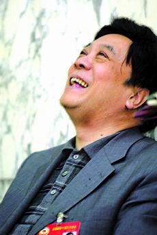 赵忠祥委员建议加强环保监管(图)