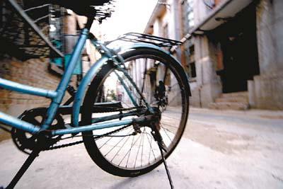 班 省吃俭用买自行车到走后门买摩托车再到地铁 私家车―――