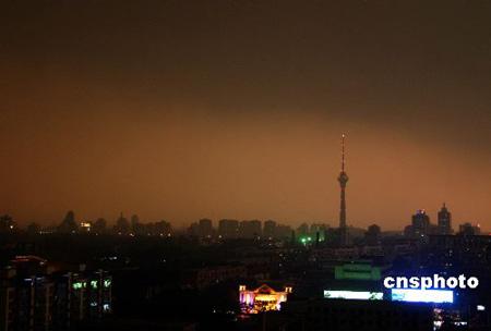 20年罕见冰雹再度突袭北京(组图)