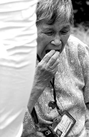 嫌牌友牌技太臭84岁阿婆跳江